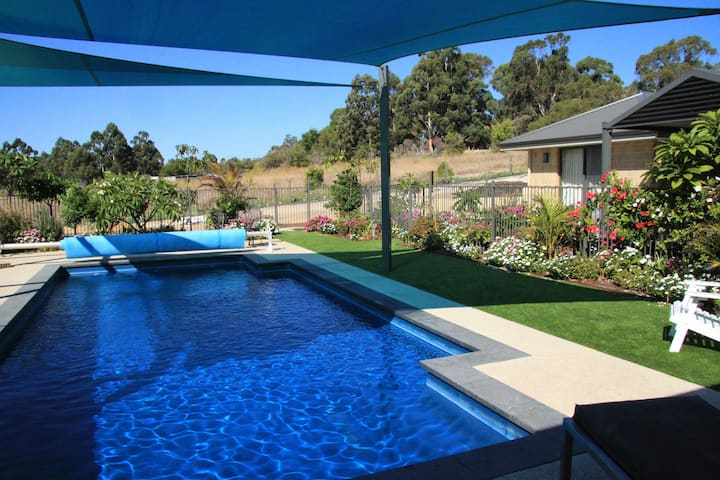Birdsong- a tranquil holiday home in Perth