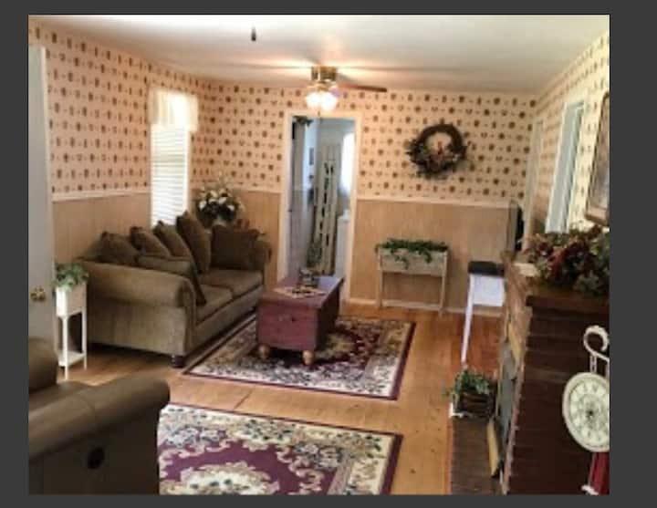 Briarwood cabin #2 Alton Mo