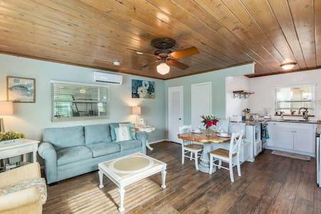 Bay Breeze Cottages #2