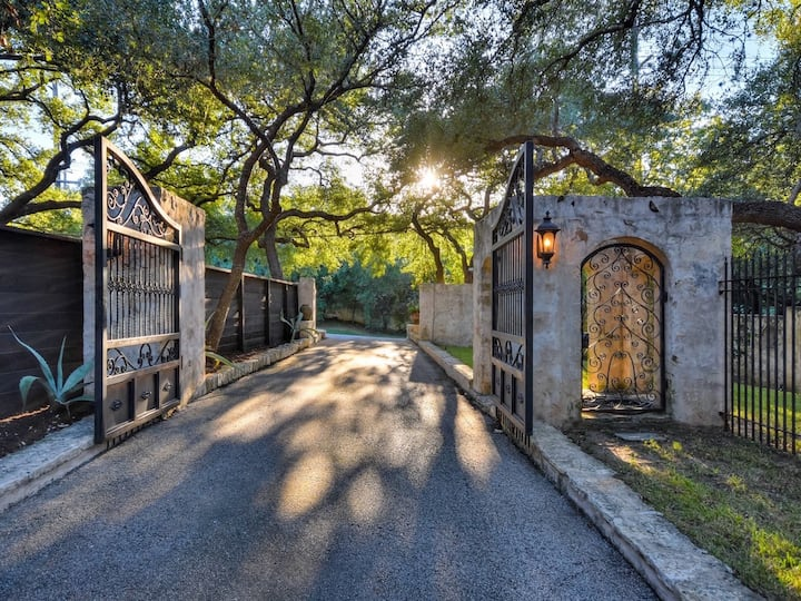 Gated Private Estate on Lake Austin