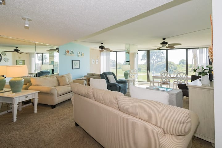 Stay steps away from The Beach in this 3BR condo Anastasia Condos 110!