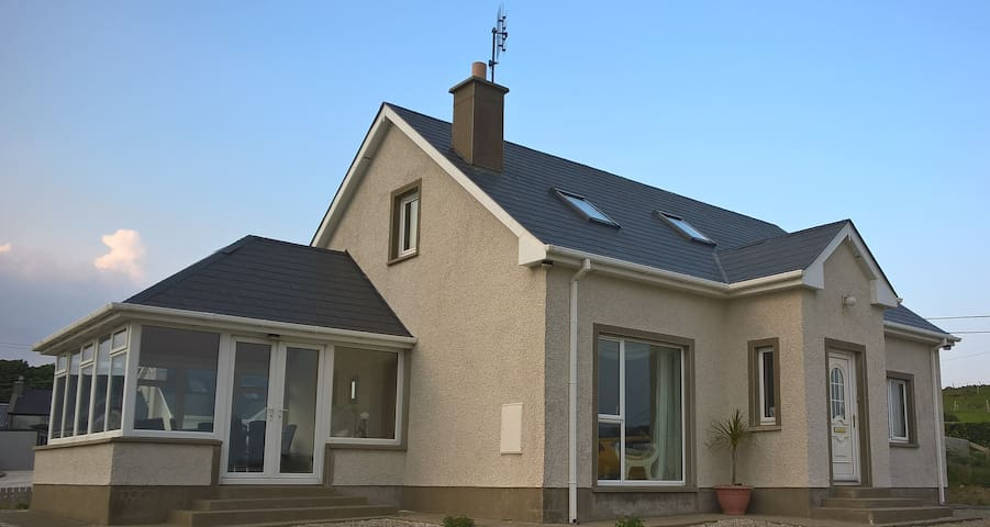 Atlantic Drive Seaview Cottage
