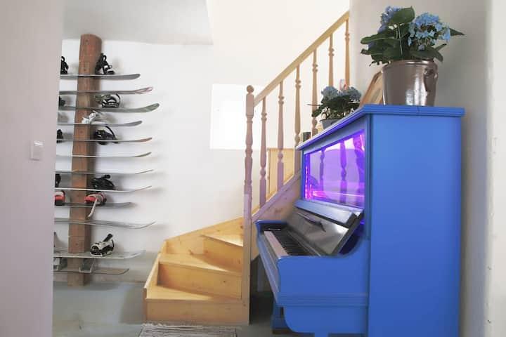 The Rad House (Jasna Room)