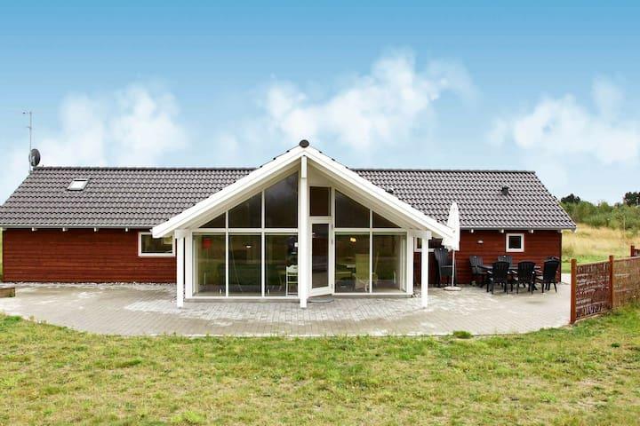 Modern vakantiehuis in Rodby met een indoor whirlpool