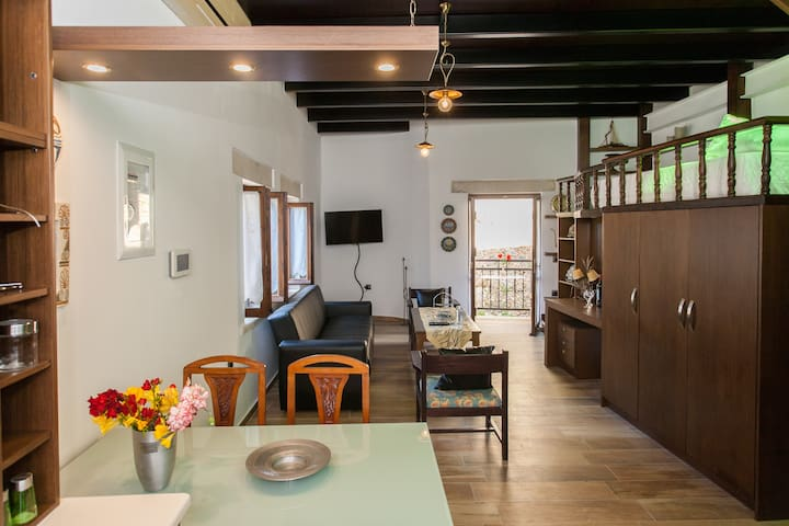 Kostanna Apartment - Heart of Old Town