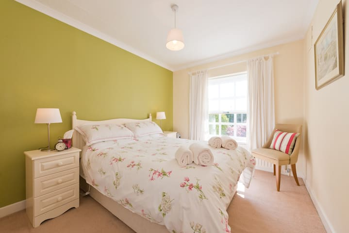 Deluxe DOUBLE ROOM near Dublin City - Castleknock - Casa