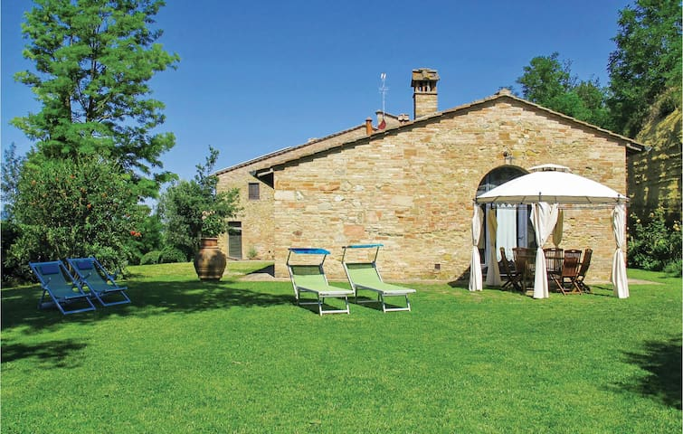 Holiday cottage with 2 bedrooms on 80 m² in Barberino V. d´Elsa SI