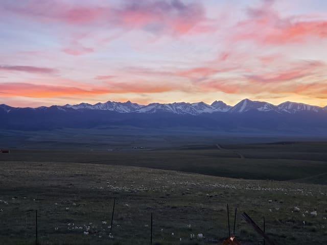 Rivers Crossed Sanctuary Ranch, 36 acres of Heaven