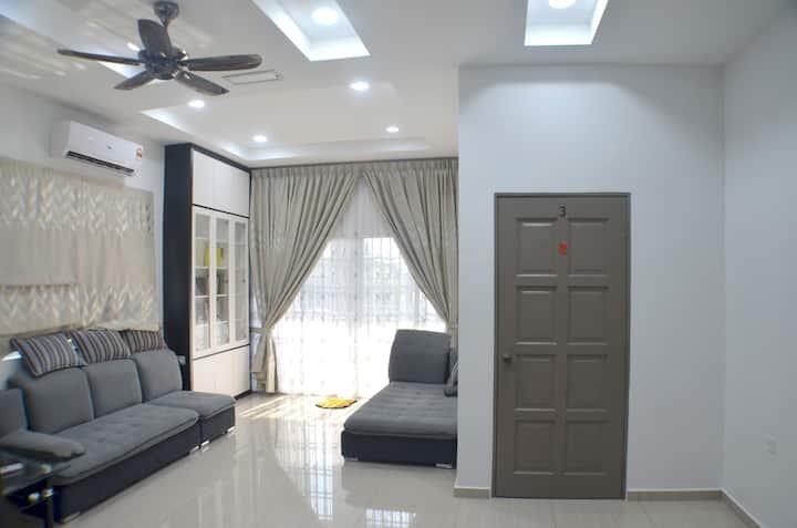 Warm Home Kuala Sepetang (1st Floor) 十八丁温馨民宿 (二楼)