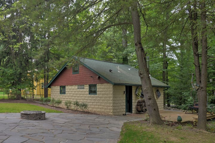 Experience peace at this 1-bedroom, 1-bathroom vacation rental cabin.