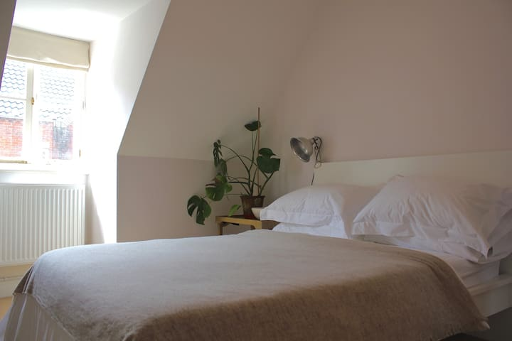 City Centre Bright Double Room, in 17th C. Cottage - Norwich