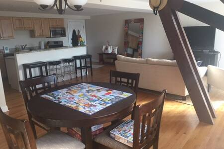 Spacious 2B Hyannis Condo - Barnstable - Appartement