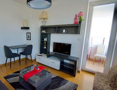 Iris Apartment New Belgrade business zone