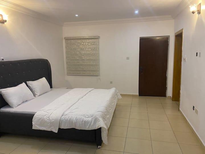 Beautiful 1 bedroom in a 4 bedroom duplex