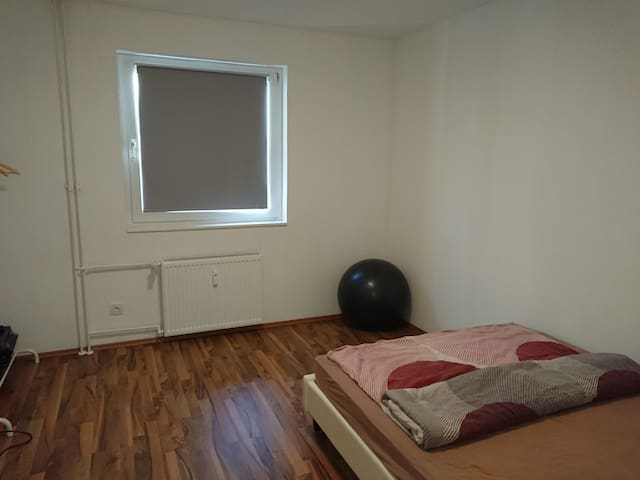Deluxe with kitchen/ laundry access