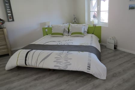 2 adjoining rooms en-suite for 2 to 5(+baby)people