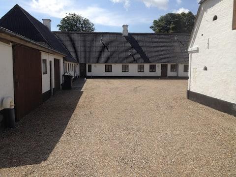 Knudsens gamle gård