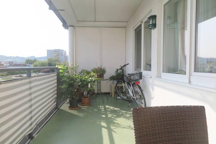 Sonnige und komfortable Wohnung mit toller Loggia!