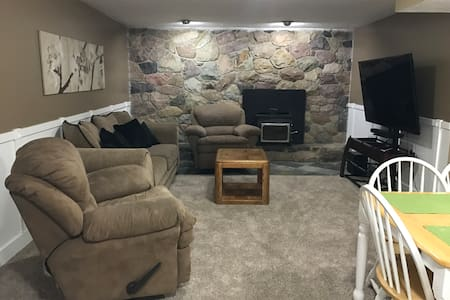 Cute basement apartment between the canyons! - Cottonwood Heights