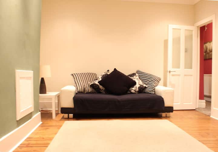 Beautiful ground floor flat - WIFI