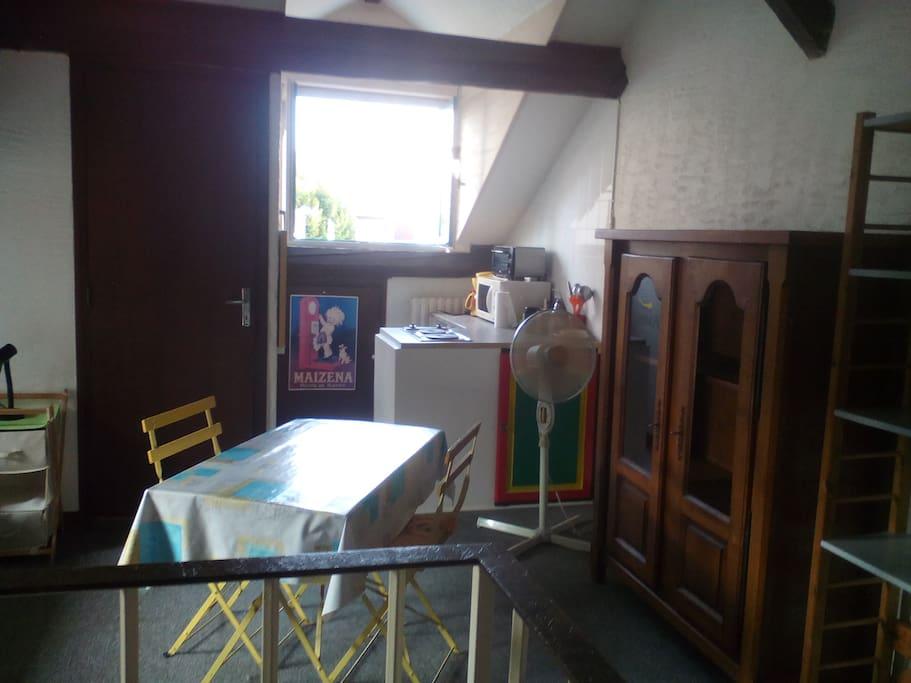 Studio 30 m2 simple chez josiane maisons de ville for Maison de ville grenoble