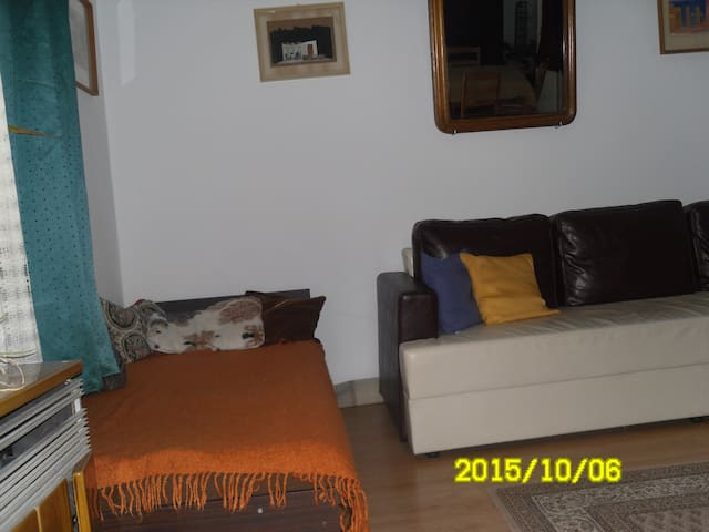 Comfortable room near motorway m7 - Székesfehérvár - Bed & Breakfast