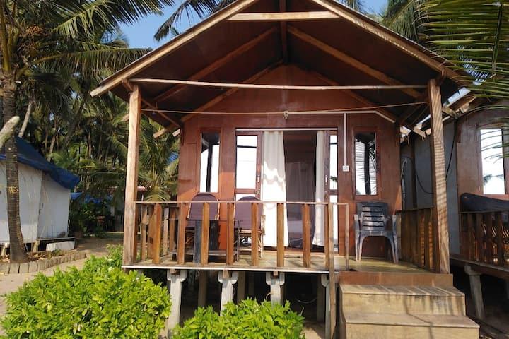 beautiful sweet little cabin on agonda beach