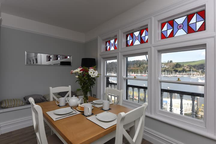 The Angel 2, Best views in Dartmouth, Luxury apartment sleeps 4