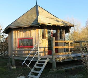 cabane à I.C.Art - Fontaine-en-Bray