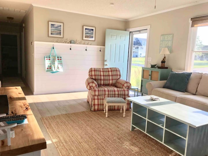 Charming Beach Cottage, minutes from Bethany Beach