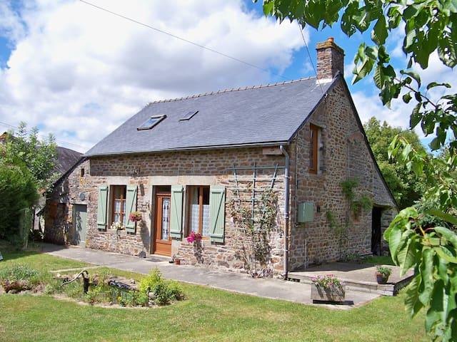 Le Grand Augre - two bedroomed country cottage