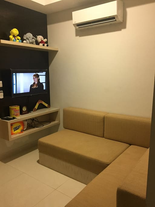 Living Room & Kitchen Set : tv, sofa, ac, free tv cable, wifi, refrigerator, washing machine, stove, dispenser, sink