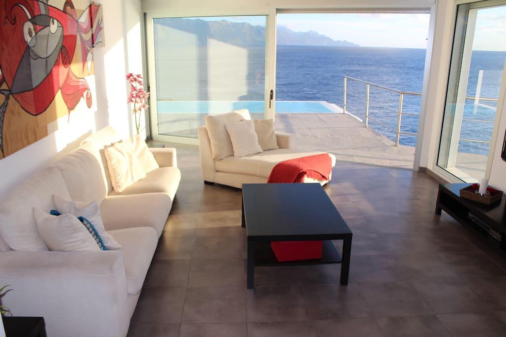 Casa sobre el mar con piscina maisons louer sardina canarias espagne - Apartamentos sobre el mar zarautz ...
