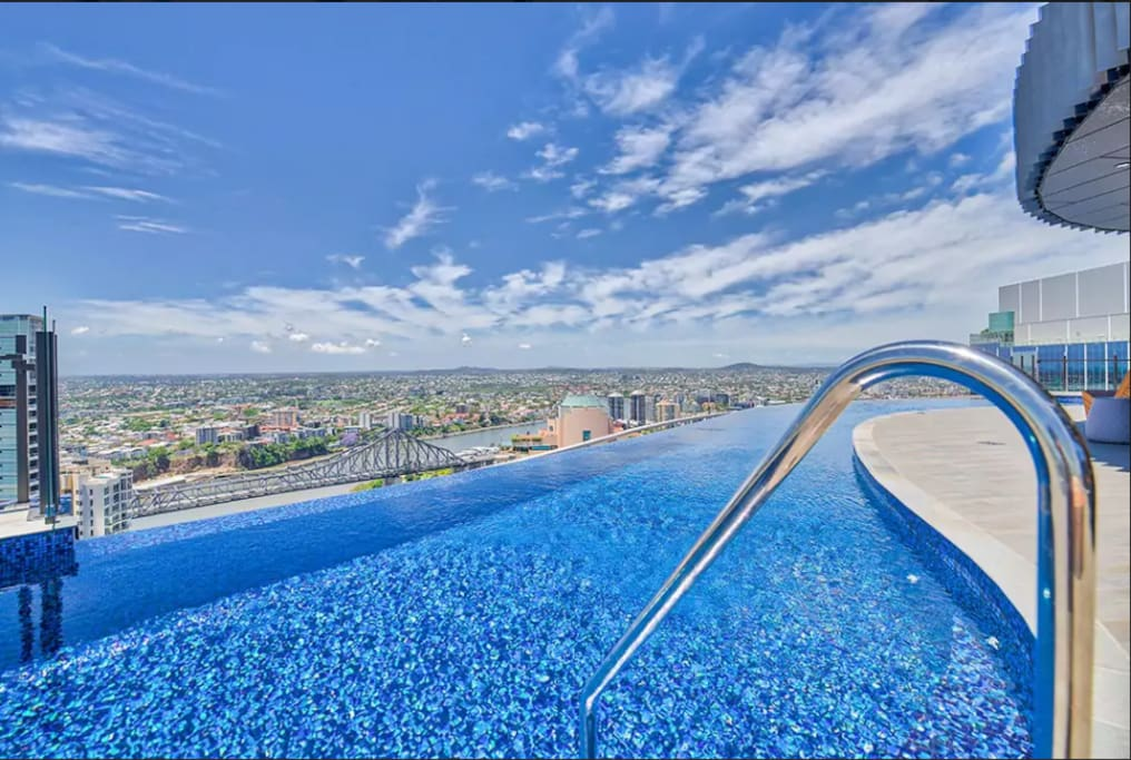 Brand New 2 Bdrs River View Apt With Infinity Pool Apartments For Rent In Brisbane City