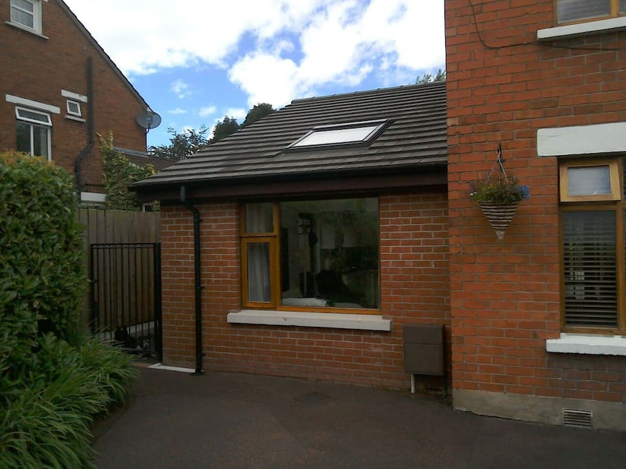 modern studio apartment in belfast apartments for rent