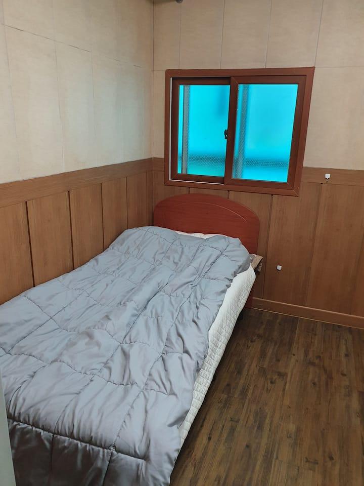 *신논현역 2분거리* 개별화장실,  넓은 주방, 넓은 테라스를 보유한 삼성리빙텔