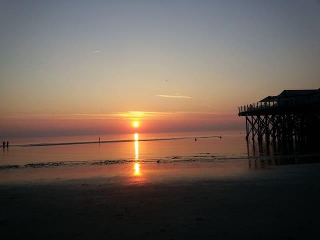 Farbspiel bei Sonnenuntergang