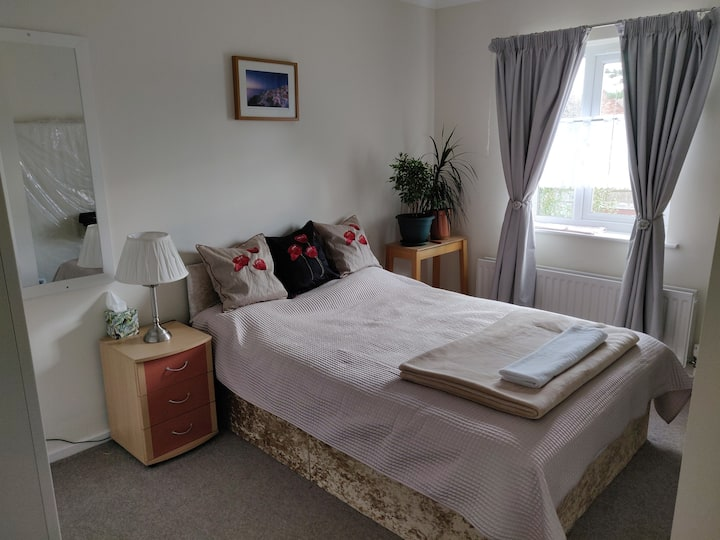 Double room near to Cam river and train station