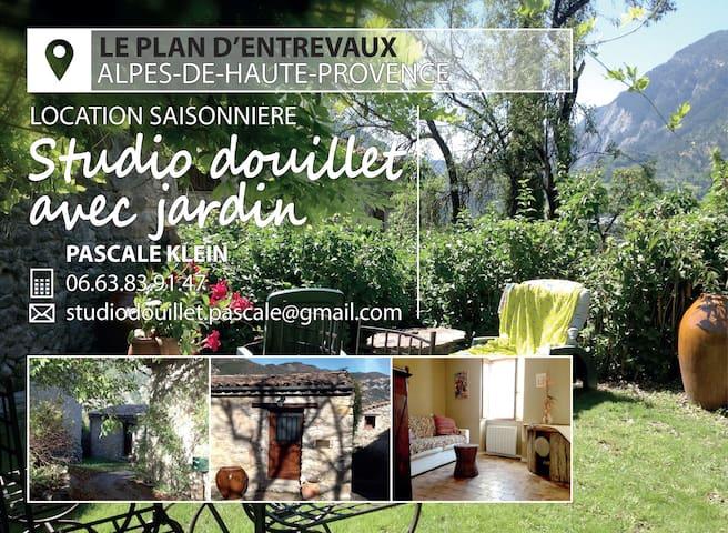 Studio Douillet - Entrevaux - Dom