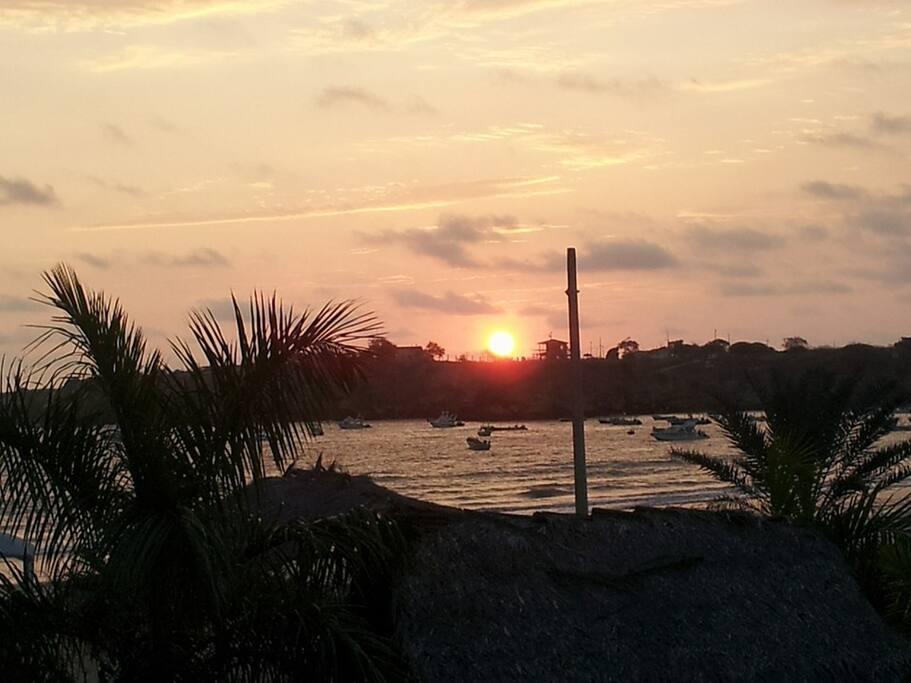 Caída de sol  en Ayangue.