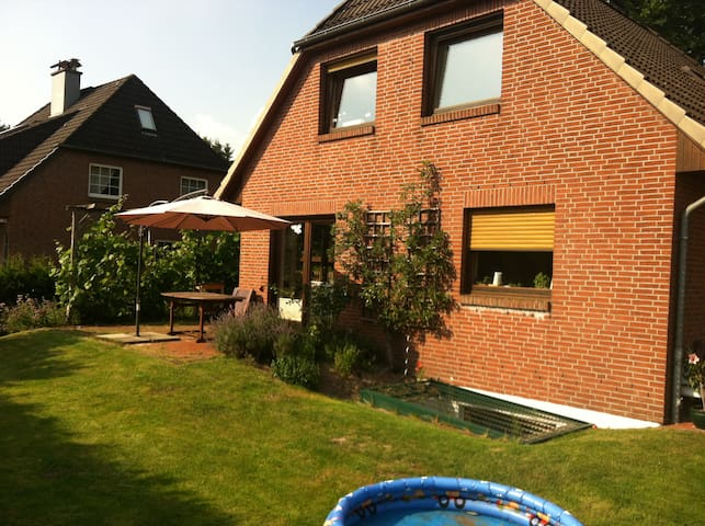 Family Home close to Hamburg City