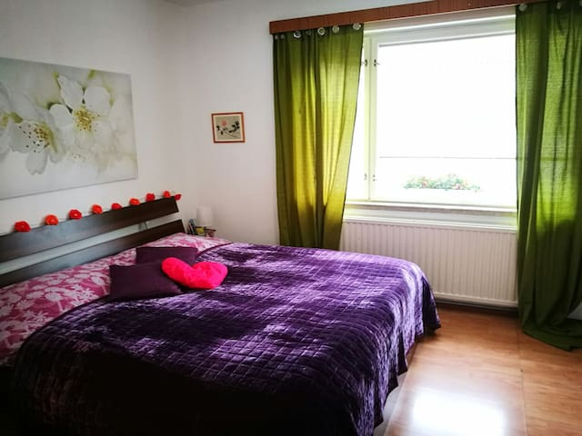 Urban flat with kingsize bed for 2 - Turku - อพาร์ทเมนท์