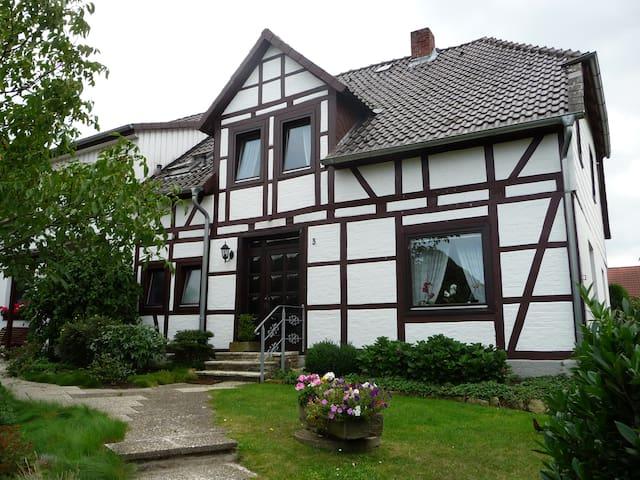 Gemütliches, ruhiges Zimmer in Ehmen - Wolfsburg - House