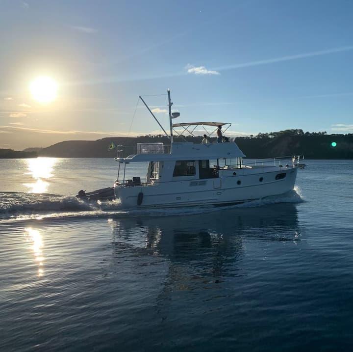 Linda embarcação alto padrão | @experiencianautica