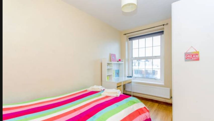 2 mins from tube bright & sunny flat central Ln - Londres - Apartamento
