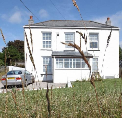 Tolcarne Views - Room Only Offer - Camborne - Bed & Breakfast