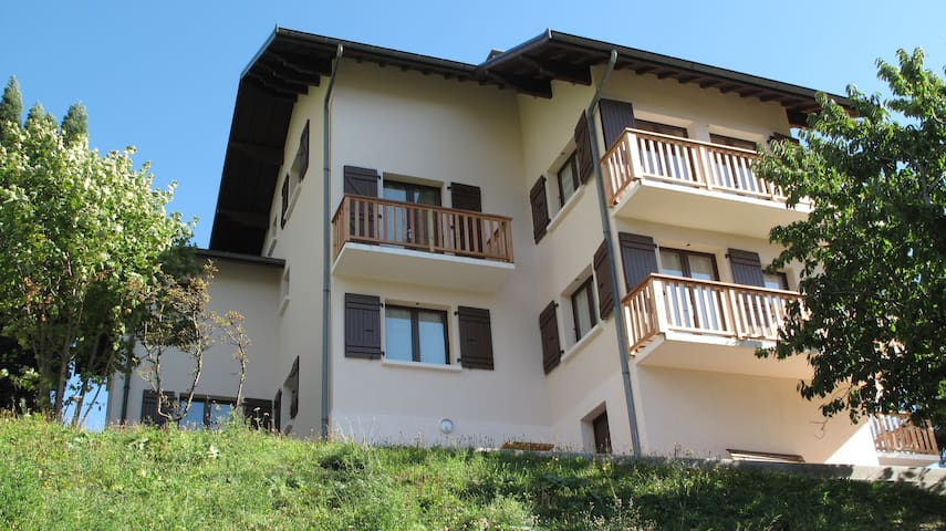 Maison de la Tour-Appartement 12/19p Grand Perron - Saint-Martin-de-la-Porte