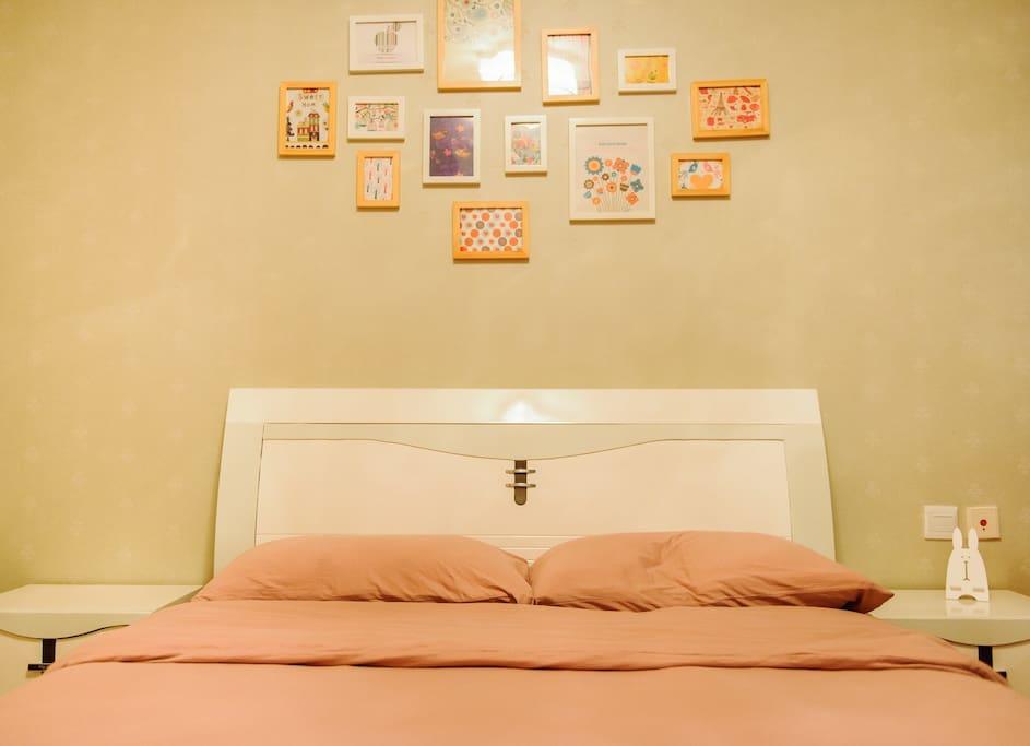 美美的床~现在已更换为1.8米大床哦