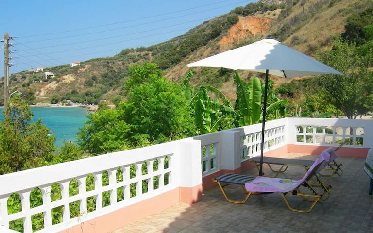 Kalami House, 2 BD, only 50 meters from beach