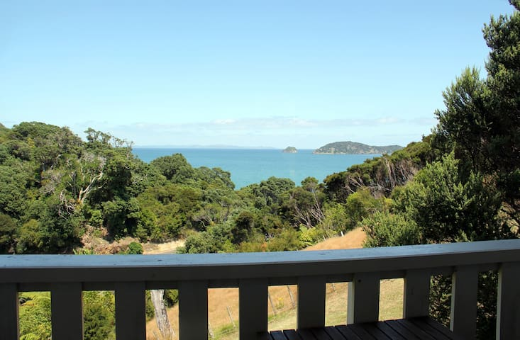Whare Iti - cosy  studio with fabulous views